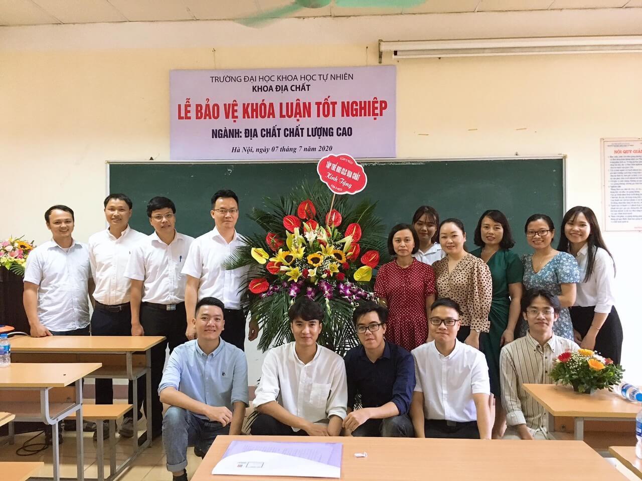 [PHOTO] Lễ bảo vệ Khóa luận tốt nghiệp cho sinh viên khóa K61 CLC Địa chất, K61 Kỹ thuật Địa chất, K61 QLTNMT